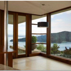 Jendela rumah minimalis kaca