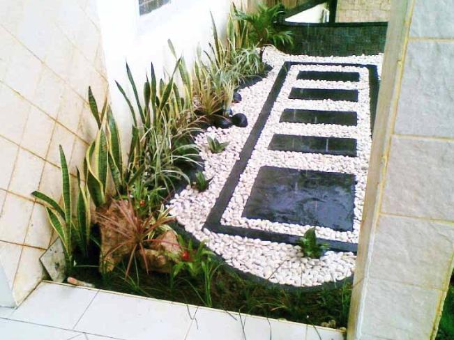 Contoh Taman Mungil Minimalis